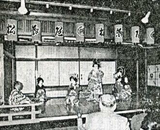 はとバス「花魁ショー」.jpg