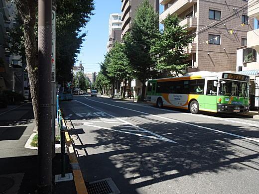 下落合四丁目バス停前.JPG