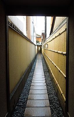 京都路地裏.jpg