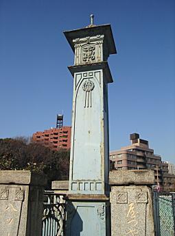 八つ山橋柱.JPG