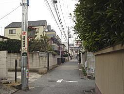 八島さんの前通り02.JPG