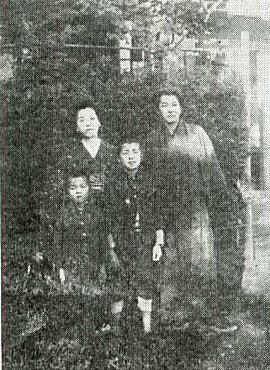 千家元麿一家1927頃北荒井(要町).jpg