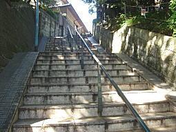 四ノ坂バッケ階段2.JPG