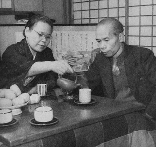壷井繁治・栄夫妻1955.jpg