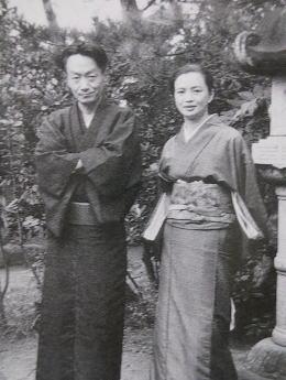 大岡昇平(大磯)1953.jpg