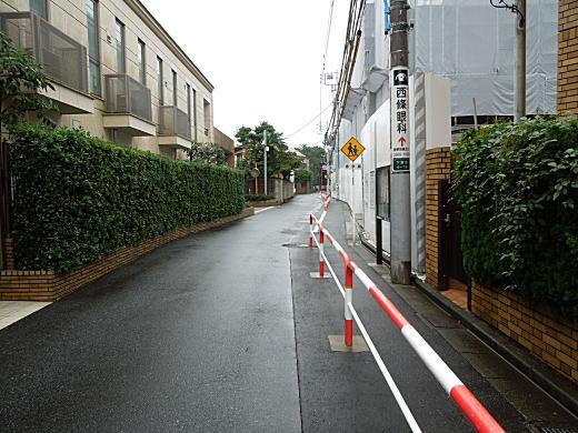 子安地蔵通り.JPG