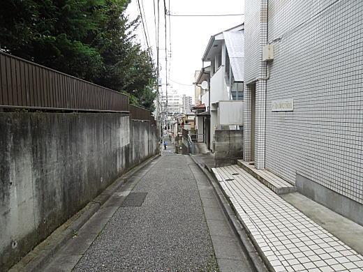 川路柳虹旧居跡2.JPG