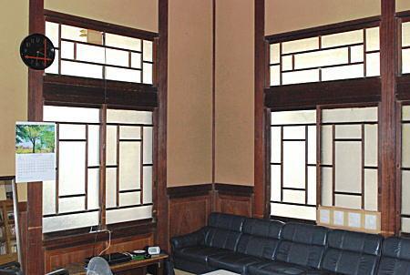旧「荻外荘」応接室1.jpg