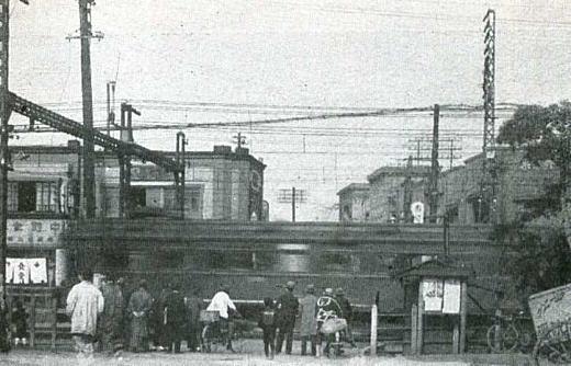 東中野駅踏切.jpg