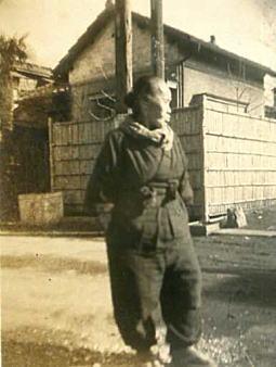 椎名町上原邸前1945頃.jpg