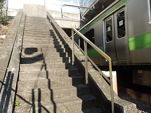 目白駅初代橋上駅階段.JPG