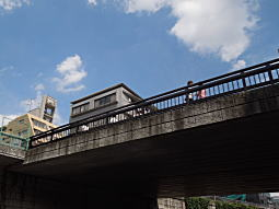 神田川・神高橋下2.JPG