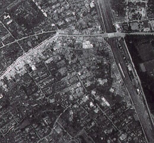 空襲被害19450517目白駅.jpg