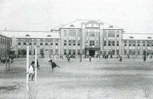 第五高女本校舎1924.jpg