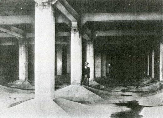 荒玉水道砧村浄水場内部1931.jpg
