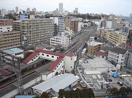 西武新宿線下落合駅付近.JPG