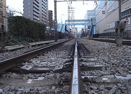 西武新宿線軌条(レール).jpg