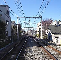 西武池袋線(上屋敷).JPG
