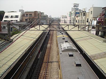西武池袋線(椎名町駅).JPG