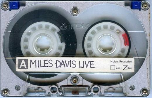 マイルスLIVEメタルテープ1985.jpg