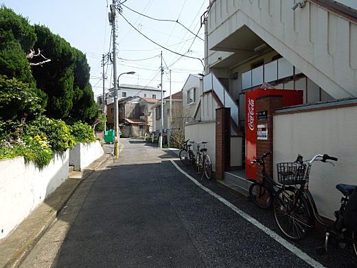 化け物屋敷2.JPG
