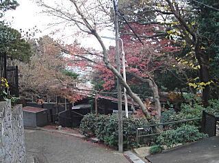 十返肇・千鶴子邸2007.JPG
