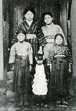 壺井栄(小豆島)1915.jpg