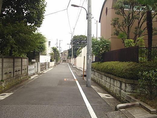 安倍能成邸三間道路.JPG