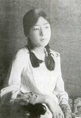 岸田麗子192806.jpg