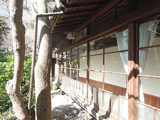 森鴎外邸縁側1.JPG