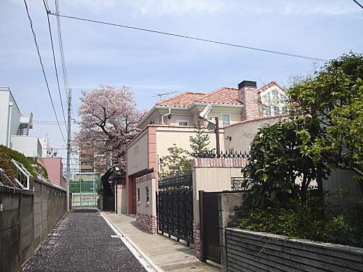 蕗谷虹児アトリエ跡.JPG