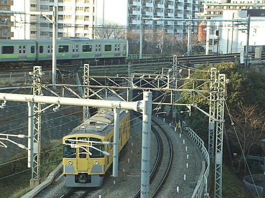 西武線ガード.JPG