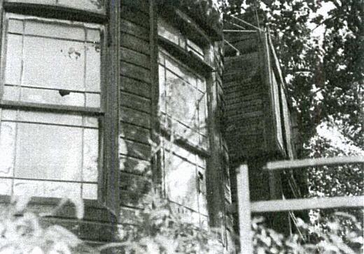 雑司ヶ谷異人館(窓).jpg