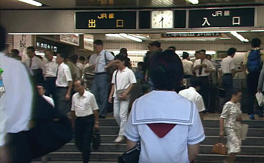高田馬場駅改札1991.jpg
